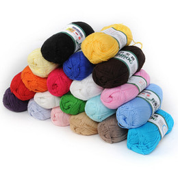 Wholesale Soft Natural Bamboo Cotton Knitting Yarn Fingering Colors FG05001