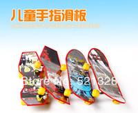 Wholesale color mini finger skateboard toys for kids FZ7777