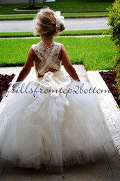 Wholesale Wedding Girls Princess Dress for Flower Girls Ball Gowns Cupcake Criss Cross Straps Artificial Flowers Ankle Length Flower Girls Dresses