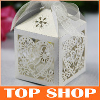 Favor Boxes Pink Paper Continental Hollow Pierced Heart Tray Lace Wedding Candy Box Laser Creative Favor Holders HQ0129