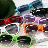 Wholesale 2014 Fashion New Goggles Unisex Wayfarer New Style Multi coloured Summer Shade UV400 Sunglasses