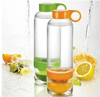 Wholesale 2014 Hot Sale Citrus Zinger Lemon Cup Fruit Infusion Water Bottles with Citrus Juicer DHL