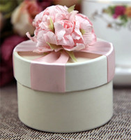 Wholesale Wedding Supplies European Style New Artificial Flower Wedding Candy Box Cylindrical Wedding Favors Holder Chocolate Gift Box Party Supply