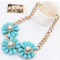 Fashion  chunky necklaces - Luxury Women Resin Big Flower Chokers Necklace Candy Color Chunky Bib Collar Necklace Vintage Statement Necklace Jewelry N0101