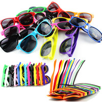 Wholesale Outdoor sandbeach sunglasses women oculos imitation brand meters color beach full frame sun glasses men