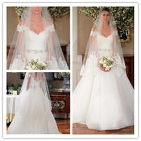 Wholesale Elegant Designer A line Wedding Dress Off The Shoulder Lace And Tulle Short Sleeves V Back V neck Bridal Gowns Zipper Backless