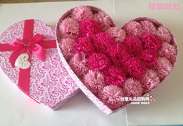 Wholesale Creative and practical wedding gift birthday present for girls girlfriends mom carnation soap flower soap flower gift