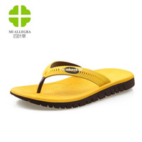 Wholesale HOT SALE Hot selling men summer fashion flip flops colors natural rubber and retail male sandals