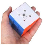 1 PC / porción Dayan GuHong 57m m tamaño completo V1 3x3x3 cubo de la velocidad Cubo mágico 6 colores montados del rompecabezas Juguetes del rompecabezas Venta caliente