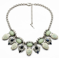 Wholesale Green gemstones collar necklace with natural stones and crystal flowers pendant vintage women short necklace antiqued silver finish chain