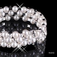 Chic Модест Дешевые на складе 3 Роу Белый жемчуг Свадебные браслеты Свадебные ювелирные изделия Vintage браслет для вечеринки Prom Prom Женщины Бесплатная доставка