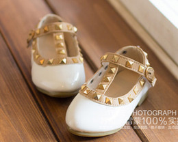 Wholesale Fashion Hot Size Elegant Rivet Princess Patent Leather Kids Low heeled Children Shoes Girls Wedge Sandals