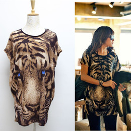 Wholesale Tiger Printed T shirt Long Tops Womens Summer Tees Blue Eyes Popular T shirt Fashion Animal Pattern New G0523