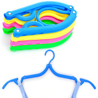 Wholesale Travel Fold hanger Go abroad on business travel needments Simple clothes hanger convenient to carry