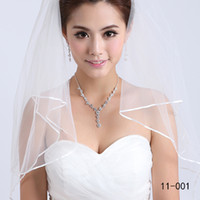 Wholesale Cheap Real Sample Fashion White Or Ivory Two Layer Pearls Ribbon Edge Comb Bridal Veil For Wedding Dresses Bridal access