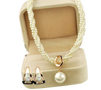 Wholesale Gold Plated Cream Pearl Chain Shall Pearl Drop Necklace and Stud Earrings Party Jewelry Sets