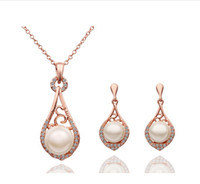 Wholesale Fashion Pearl Jewelry Set Charm Hollow lute Jewelry sets necklace earrings Noble jewelry for women L Set LM S112