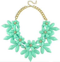 Wholesale European and American fashion big Statement flower clavicle chain crystal dress necklace short shine necklaces