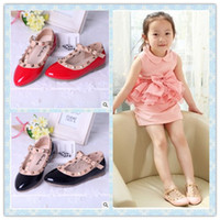 Summer Rivet Pointed Toe Autumn Children's Leather Shoes Rivets Children's Shoes Girls Princess Shoes 4 Colors Flat Kids Dance Shoes Wedge Sandals Pink Red Black
