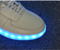 2014 la nueva llegada caliente venta de Zapatos Casual para los amantes de la única luminoso USB recargable LED de cuero luz pura, libre de gastos de envío