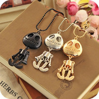 Wholesale Big Eyes UFO Skeleton Head Grows Necklace Fashion Pendant Black Silver Golden Punk Style Party Wedding Promotion Gift Tracking
