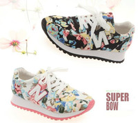 Wholesale Hot Fashion Women running sneakers Casual flat shoes girl s classic flowers printed N letters breathable sports shoes Euro size