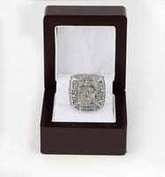 -Replica Al por mayor de 2010 Blackhawks Toews anillo de campeonato de béisbol Tamaño 11 El mejor regalo del ventilador Hombres 18k plateó la joyería de la alta calidad