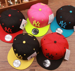 Wholesale Kid Cartoon Letter Boys Girls Children Cap Kids Boy Girl Baseball Hat Child Monkey Sport Hats Kid Peaked Cap Spring New Caps J0586