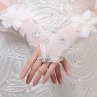 Wholesale New Sexy Fingerless Gloves Applique Crystal Tulle Net See Through Wedding Short Bridal Gloves Accessory Beaded Lace Gloves