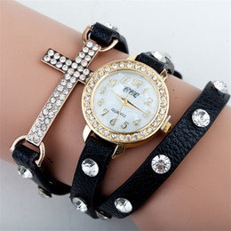 Fashion Women Quartz Watches Lady Leather Cross Charms Wrist Watches Round Dial Charming Bracelets Watches 10 Colors Free Drop Shipping