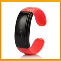 Wholesale New Business Bluetooth Watch HANDSFREE Conversation Vibration Caller ID Display of Phone Wristwatch for Iphone Samsung