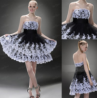 Wholesale Top Quality Strapless Neckline Short Homecoming Dresses Low Bare Backless Mini Cocktail Party Gown With White Appliques and Black Bowknot