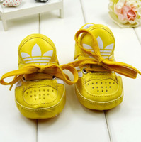 Boy Winter Rubber Fashionable baby sports shoes Newborn baby first walkers with shoelace Hot sales yellow or white baby prewalkers