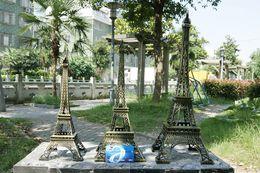 Wholesale 48CM tall D Paris Eiffel Tower Metallic Model Bronze Color Craft for Wedding Gift Shooting Prop Home Decoration Supplies