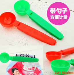 Wholesale 10 Hot sell measuring sauce coffee spoon belt food sealing clip soup spoon sealing clip round section spoons