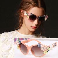 Beach popular sunglasses - New Luxury Queen fashion Sunglasses Women Flower Vintage Girls Oculos De Sol Accessories popular sunglasses sunglasses