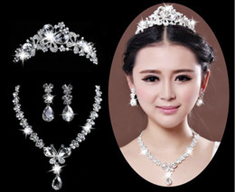 Wholesale Sparkling Amazing In Stock wedding jewelry Set Necklace Earrings Tiaras Rhinestones Crystals Sterling Silver Jewelry Bridal Accessory