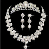 Wholesale Cheap In Stock Crystal Pearls Victorian Clear Rhinestone Crystal Crown Necklace Earrings Set Bridal Crown Tiara Wedding Bridal Jewelry