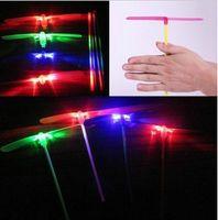 Livraison gratuite 100pcs de Clignotant de LED Glow Silicone Bambou Libellule Flying Fairy Hélicoptère LED Glow Discothèque Fête de Mariage, Cadeau de Noël de Jouets
