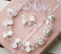 Wholesale Free Gift Hot Sale Wedding Exquisite Bride Ornament Rose Rhinestone Earring Necklace Bridal Wedding Accessories