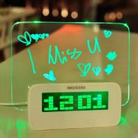 Digitale LED Fluorescente Messaggio Sveglia di Bordo, Temperatura, Calendario, Timer Hub USB Blu/Verde Luce H10374