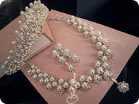 Faux Pearl tiara and jewelry set - Best Selling Fashion Pearls Crystal Tiaras Necklace And Earrings Shining Cheap Wedding Accessories Bridal Ornaments Jewelry DL1312811