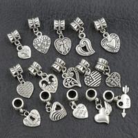 achat en gros de bracelets métalliques charmes-2017 150pcs / lot Antiqued Argent Assorti Coeur Dangles Perles Fit Européenne Charm Bracelet Bijoux DIY Metal