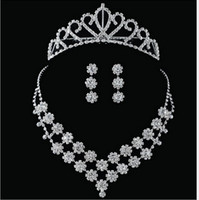 Wholesale Custom Made Crystal Bride Dress AccessoriesThree Pieces Daisy Style Wedding Jewelry Sets Crown Necklace Earrings Prom Party Tiaras Hot