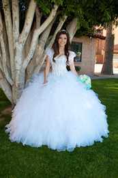 Wholesale Elegant White Sweeteart Beads Quinceanera Dresses Ruffles Long Pageant Dress Crystal Cascading Ball Gown