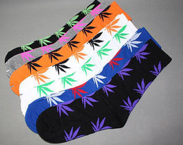 Wholesale Unisex Maple Leaf Plantlife Cotton Skateboarding Socks Men s Socks Hip hop Socks Women Hosiery Colors Free Size Christmas Gift