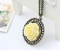Beaded Necklaces Women's Fashion Vintage Cream Rose Disk Pierced Lace Necklace N39