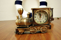 Plastic Antique locomotive Clock 65 mm Retro Train Style Electronic Alarm Clock Decoration Home Desk Table Locomotive Clocks Three Colors As A Gift Free DHL Factory Price