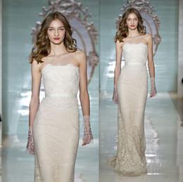 Wholesale Reem Acra Design New Bodycon Robes de mariée Colle de gaine Lace Ruban Sequins Strapless Sweetheart Sweep Train Robes de mariée Mode
