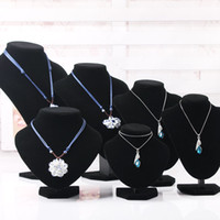 Wholesale Black Velvet Portrait Necklace Display Stand Pendant Necklace Holder Mannequin Bust Jewelry Display Stand